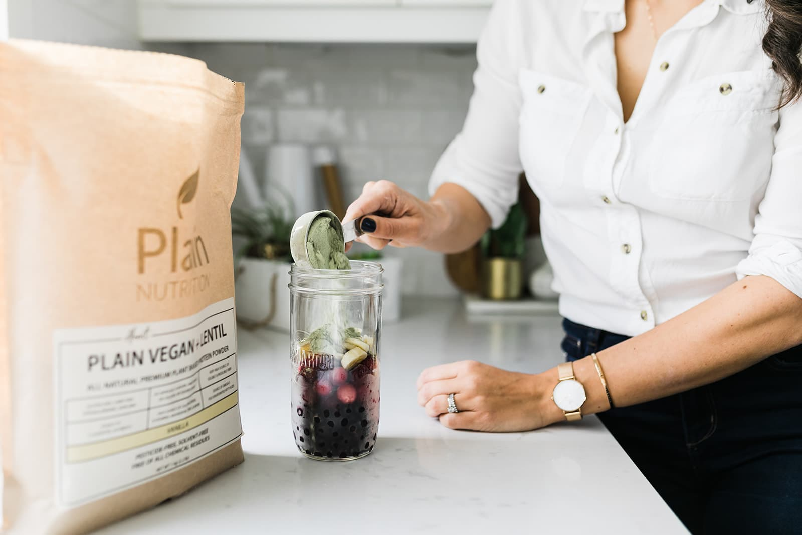 What are the benefits of vegan protein powder?